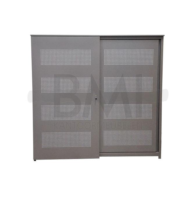 Voortman schuifdeurkast Kleur: aluminium  Maat: 120 x 160 Incl. 2 legbor