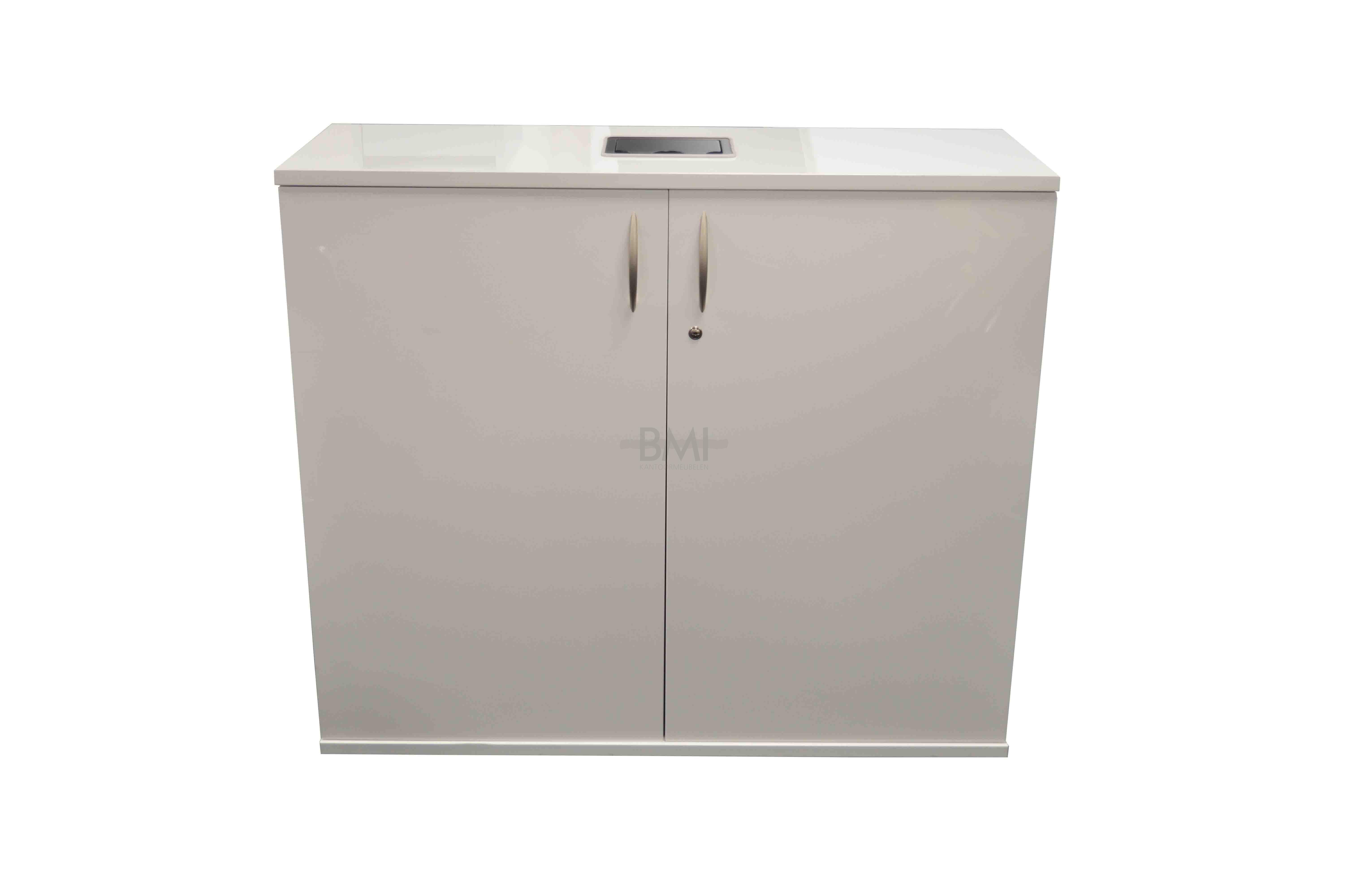 Hoogglans Wit Kast : Zwevend tv meubel toya van cm breed in hoogglans wit met kasten